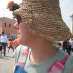 Chiara col cappello